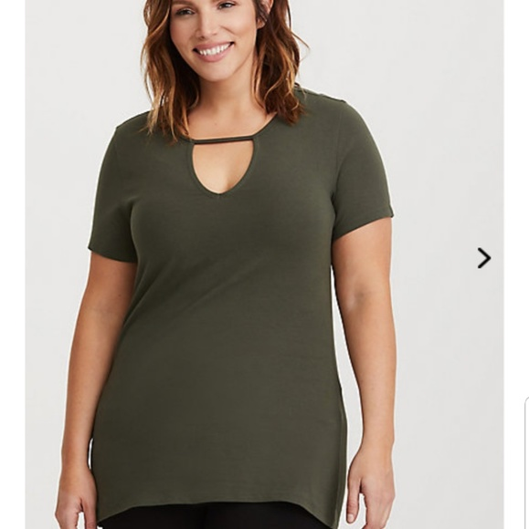 03bedeae8ce 3x Torrid Cutout Olive Foxy Tee